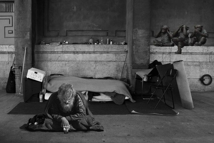 I senza tetto. Due sottogruppi a confronto: i barboni tradizionali e i neo barboni